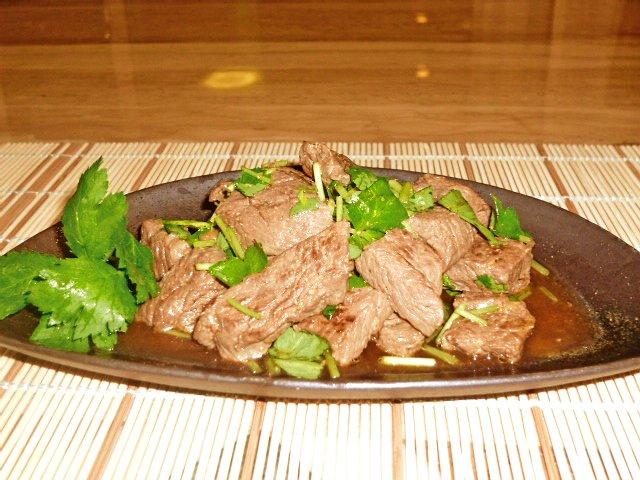 牛肉の塩麹サイコロステーキわさびポン酢和え♪2