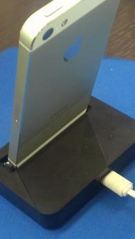 iPhone5充電スタンド