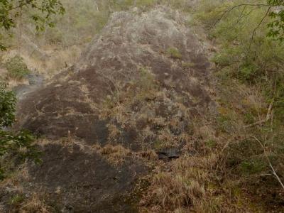流紋岩質溶結凝灰岩のスラブ
