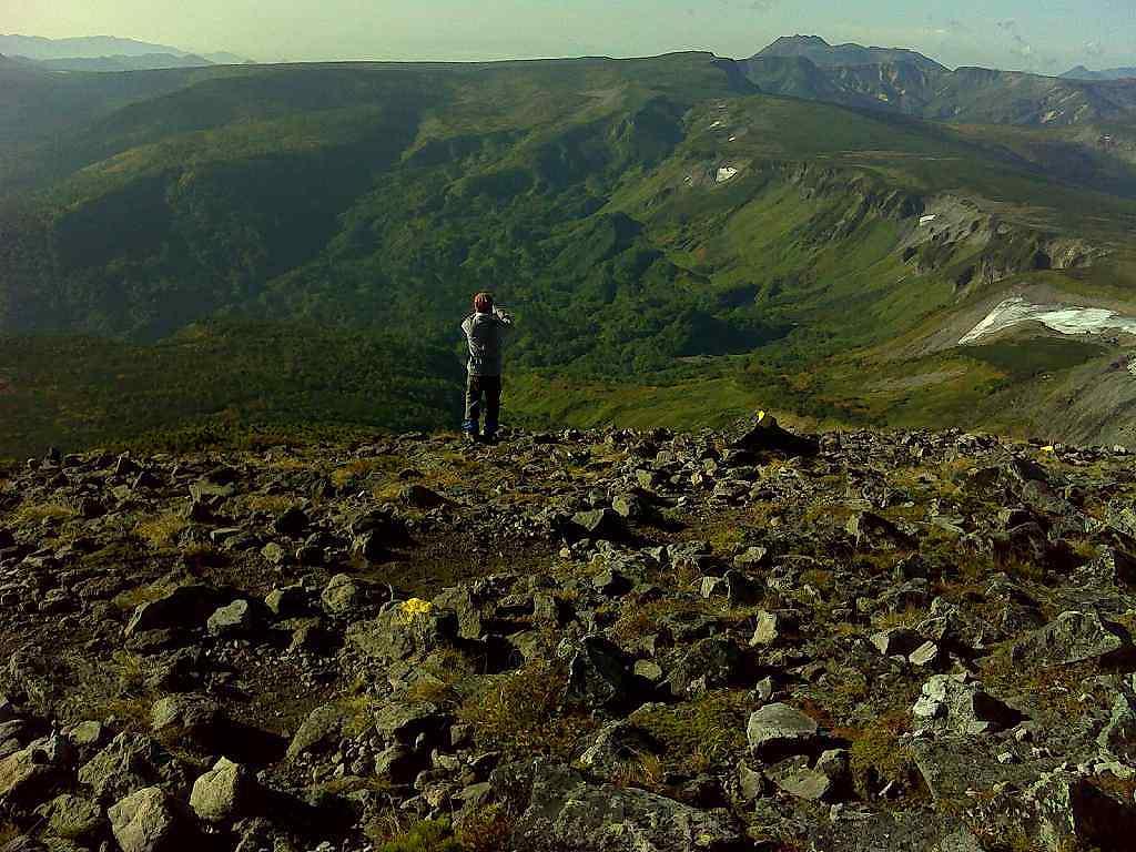 緑岳からトムラウシを眺める