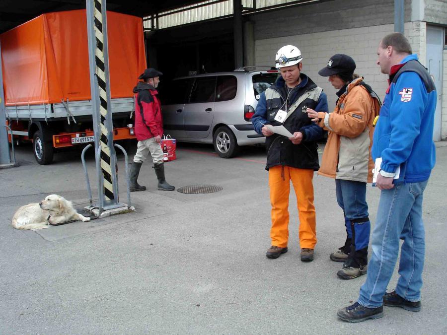 スイス救助犬試験模様(2)