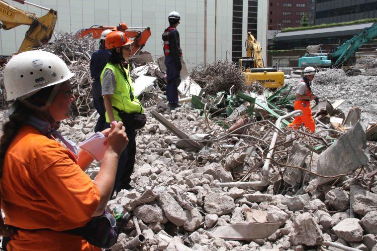 解体瓦礫で訓練(3)