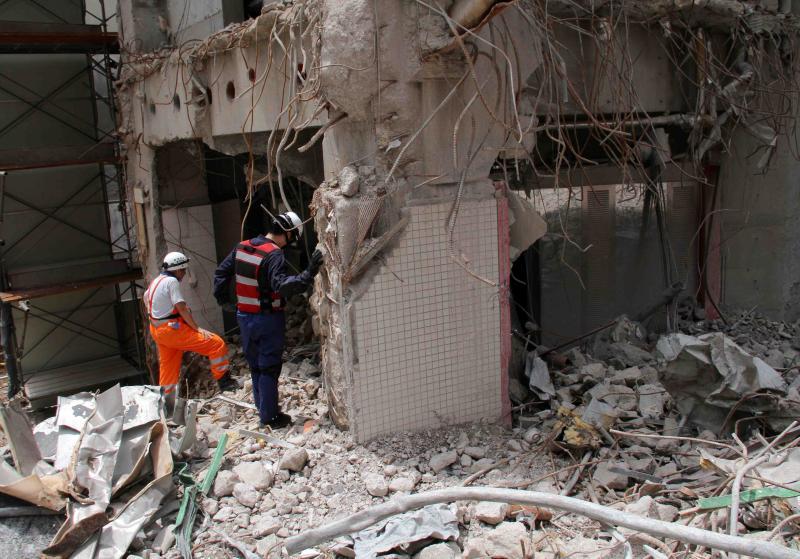 解体瓦礫で訓練(4)