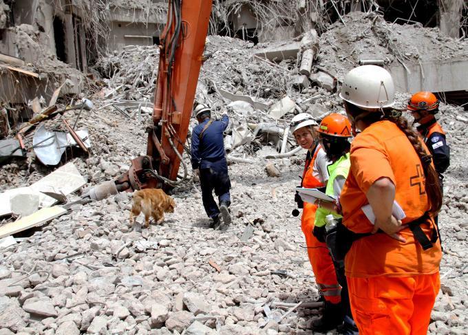 解体瓦礫で訓練(5)