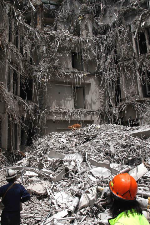 解体瓦礫で訓練(6)