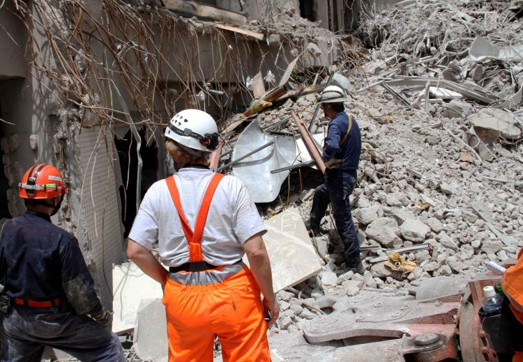 解体瓦礫で訓練(8)