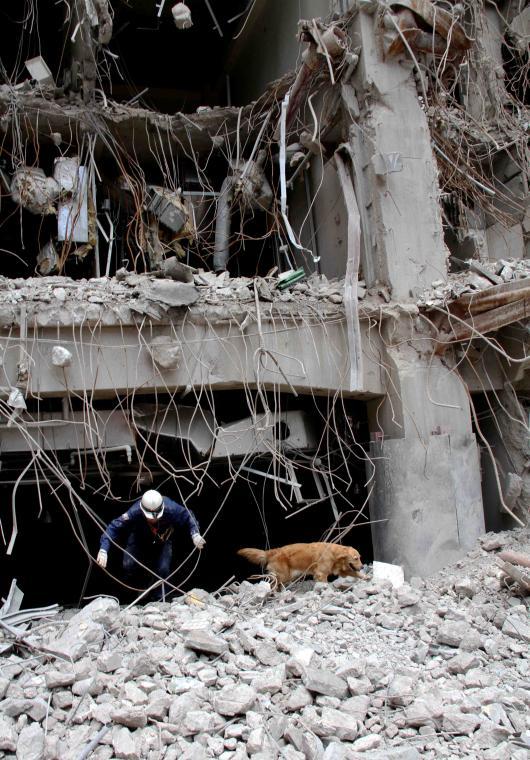 解体瓦礫で訓練(11)