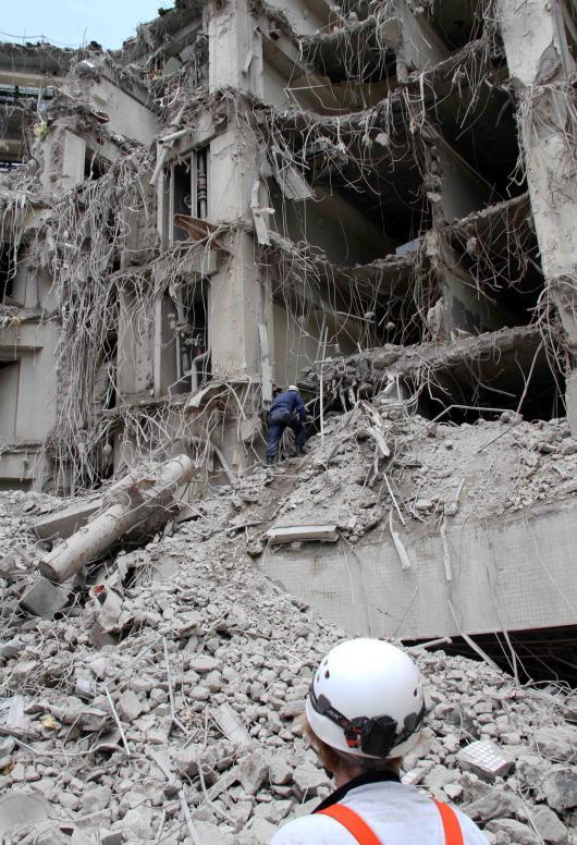 解体瓦礫で訓練(13)