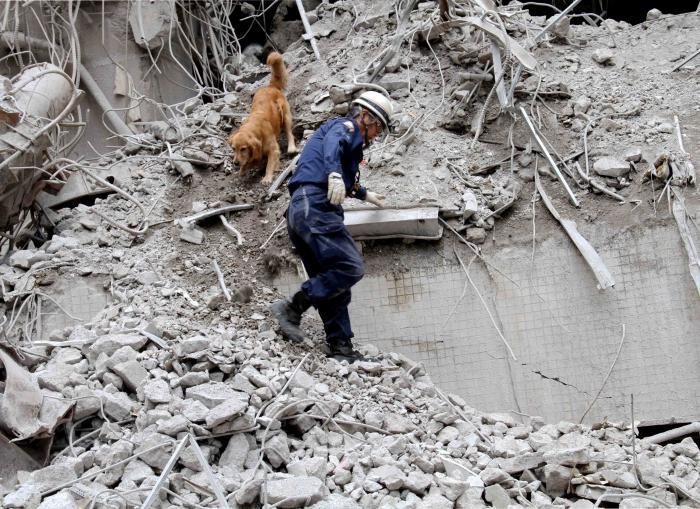解体瓦礫で訓練(14)