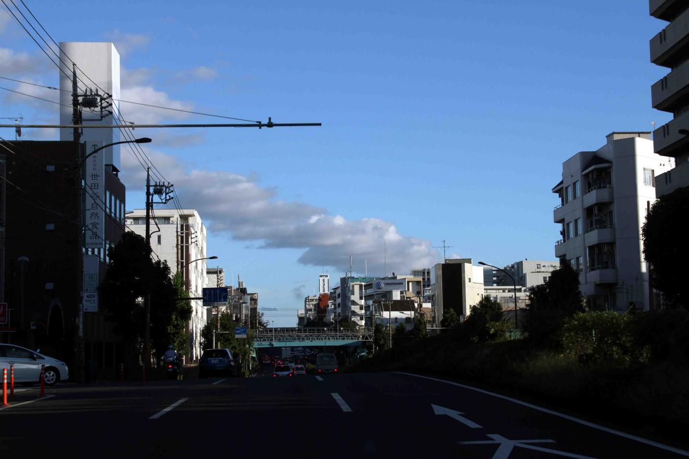 環八雲 20120819(14) 17時37分 桜丘5丁目付近から南方面