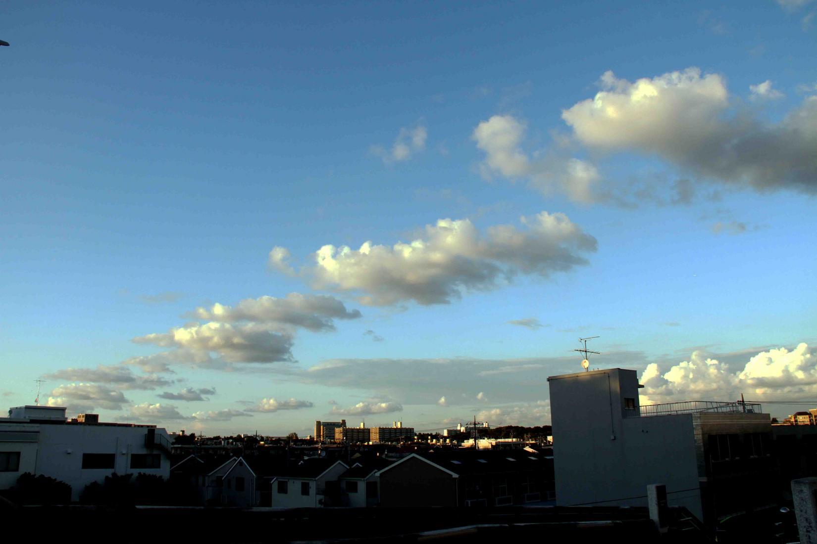 環八雲 20120819(18) 17時59分 上用賀5丁目付近から北方面