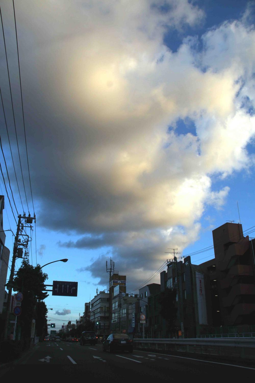 環八雲 20120819(19) 18時07分 上野毛付近から南南東方面