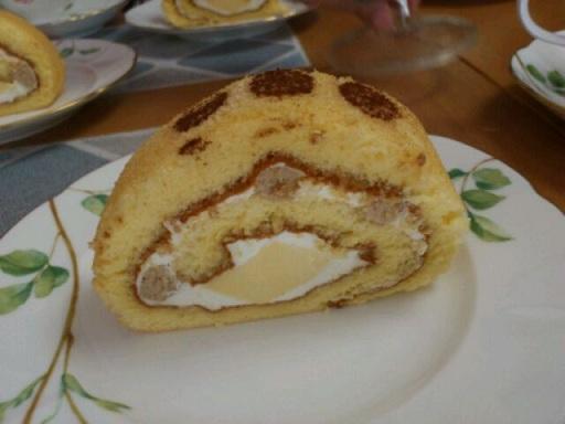 マロンプリンロールケーキ