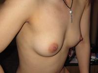 テクニシャンな美人コールガールのヌード&フェラ画像