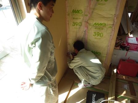 壁ボード貼 (2)