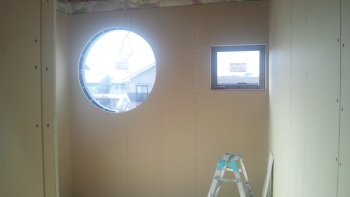 丸窓 ボード