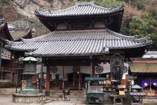 宝山寺-本堂