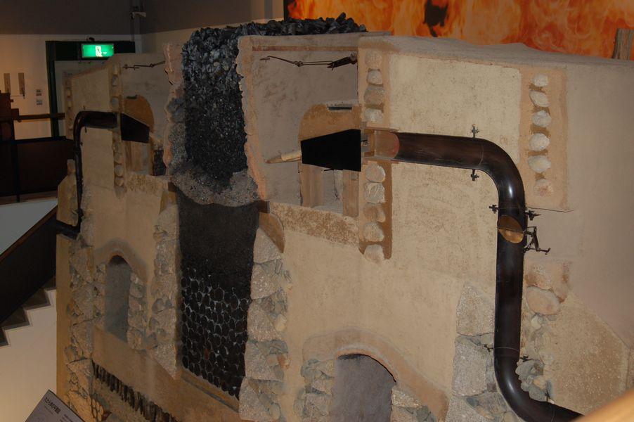 たたらの炉とその地下構造