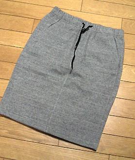 「UR(アーバンリサーチ)」で購入した裏起毛スエットスカート