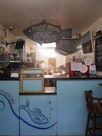 FISH WIFE 店内