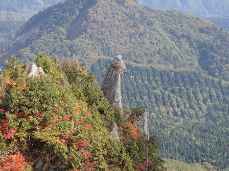 男甑山頂から見る烏帽子岩