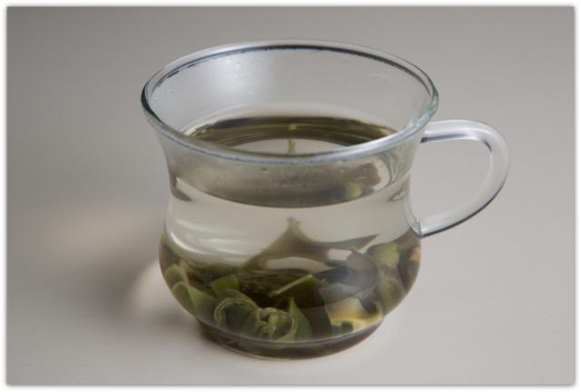 毎日の健康に 飲んで 食べる 海産のお茶 まるごと海藻パワー めかぶ梅茶