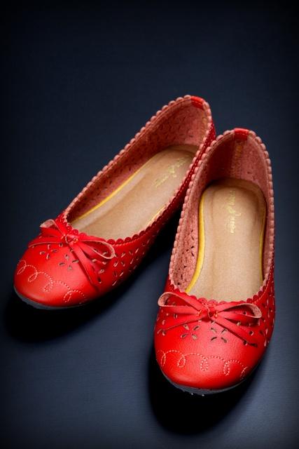 赤い靴 くつ クツ 写真
