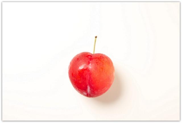 すもも もも 果物 フルーツ 写真