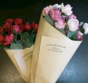 小さなバラの造花