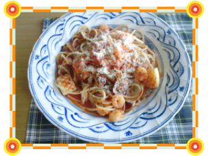 海鮮トマトソースパスタ