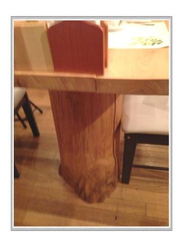 テーブルの足