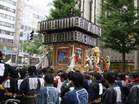 すすきの祭り 001