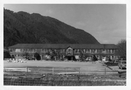東第一小学校 昭和47年