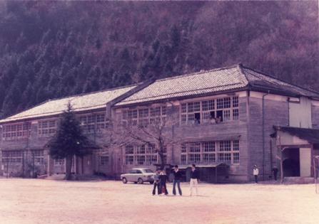 東第一小学校が間借りした、東中学校