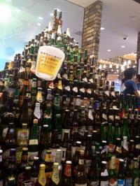 ビール瓶タワー。