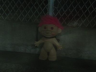 2012_1014_051359-IMG_7430 謎の人形