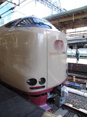 2012_1102_074728-IMG_9929 サンライズ 東京