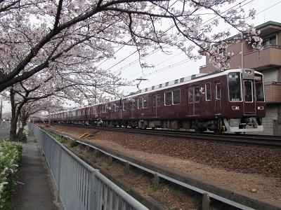 2011_0407_074124-IMG_0552 阪急8201F