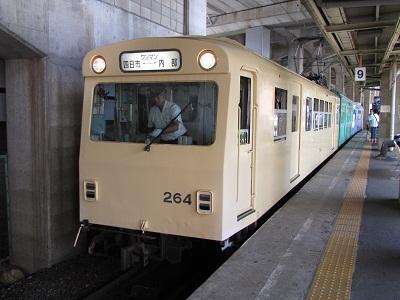 2012_0826_112416-IMG_6727.jpg近鉄内部線
