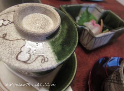 茶碗蒸しと季節のおつくりです。