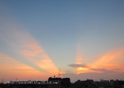 我が家のベランダから見える夕陽