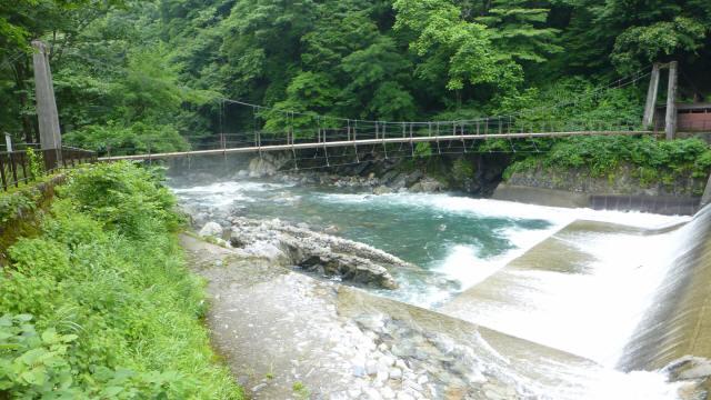 東勝原取水堰の吊橋0