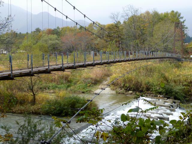 白馬グリーンパーク外の吊橋1