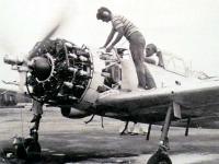 POFスタッフによるエンジンの初試運転