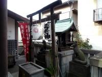 寿老人の祀られている境内の稲荷社