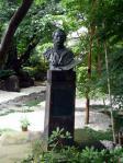 中村不折の銅像