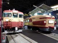 左:「クモハ455形式電車 車号クモハ455-1」 右:「クハ181形式電車 車号クハ181-45」