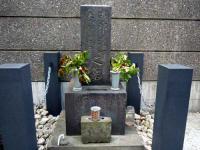 磯部浅一・妻、登美子の墓