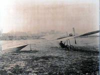 地上走行試験中のハンス・グラーデ機