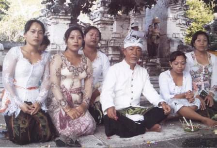 画像 040web用BAKI-ヒンデュー教のお祭り